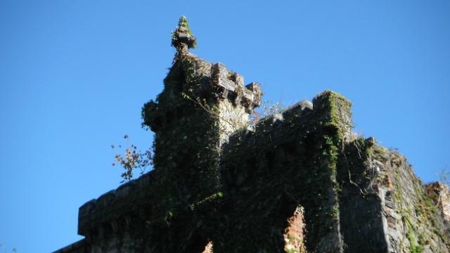 2013-09 Ruinas de una iglesia cerca del F. Roosevelt Park