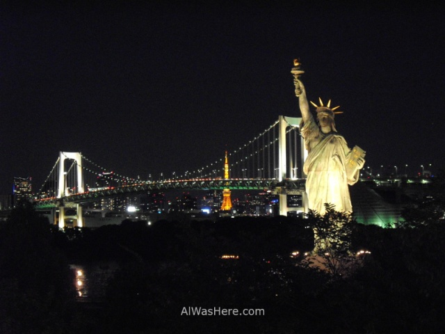 el-rainbow-bridge-y-la-estatua-de-la-libertad-odaiba-tokio-japon-estatue-of-liberty-tokyo-japan