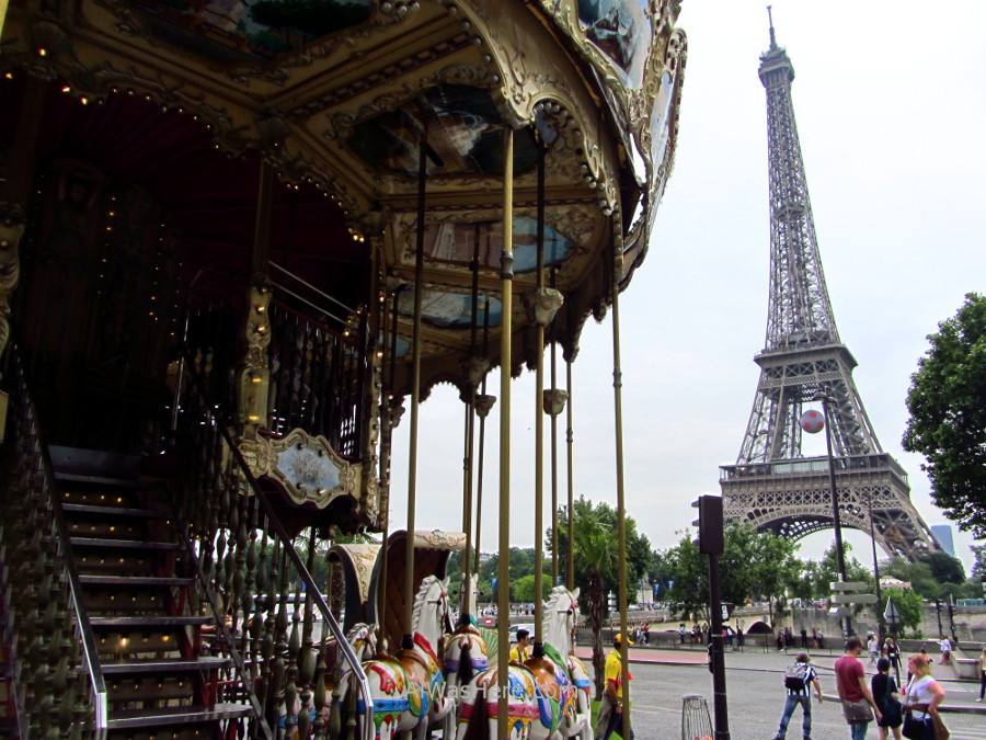Carousel next to the Trocadero and the Eiffel Tower