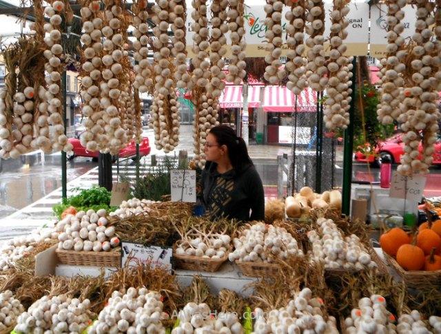 puesto-de-ajos-en-byward-market