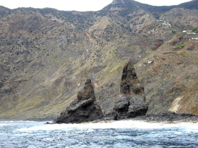 roques-a-nivel-del-mar-la-gomera