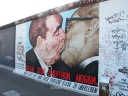 El Beso (bruderkuss), East Side Gallery, Muro de Berlin, Alemania. Germany, Wall, kiss