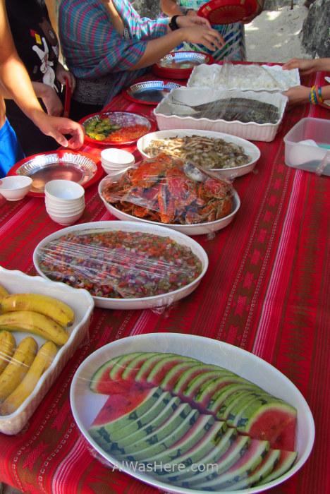 Isla de Coron 7. Almuerzo en playa, Palawan, Filipinas. lunch beach Coron Island, The Philippines