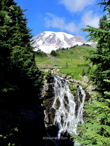 Myrtle Falls and Mount Rainier on the background, Washington, USA