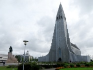 Hallgrimskirkja, with the statue of viking Eiriksson in the front