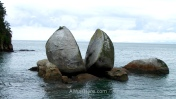 Split Apple Rock, Abel Tasman National Park, New Zealand